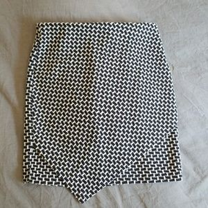 H&M Navy & White Print Pencil Skirt Sz S